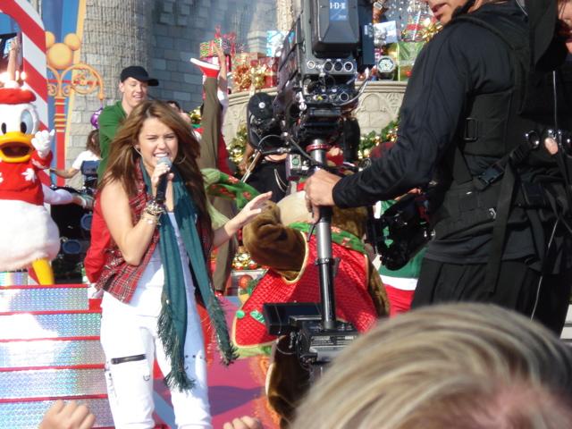 Walt Disney World Christmas Day Parade 2008 720p MPEG-2 DD5.1  12-25-2008