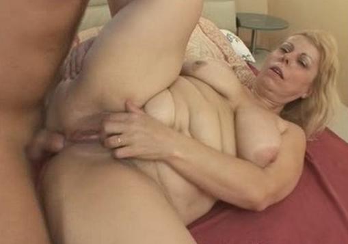 Aniston Pussy Bbw Spreading Running Naked Giant Vagina Futanari G