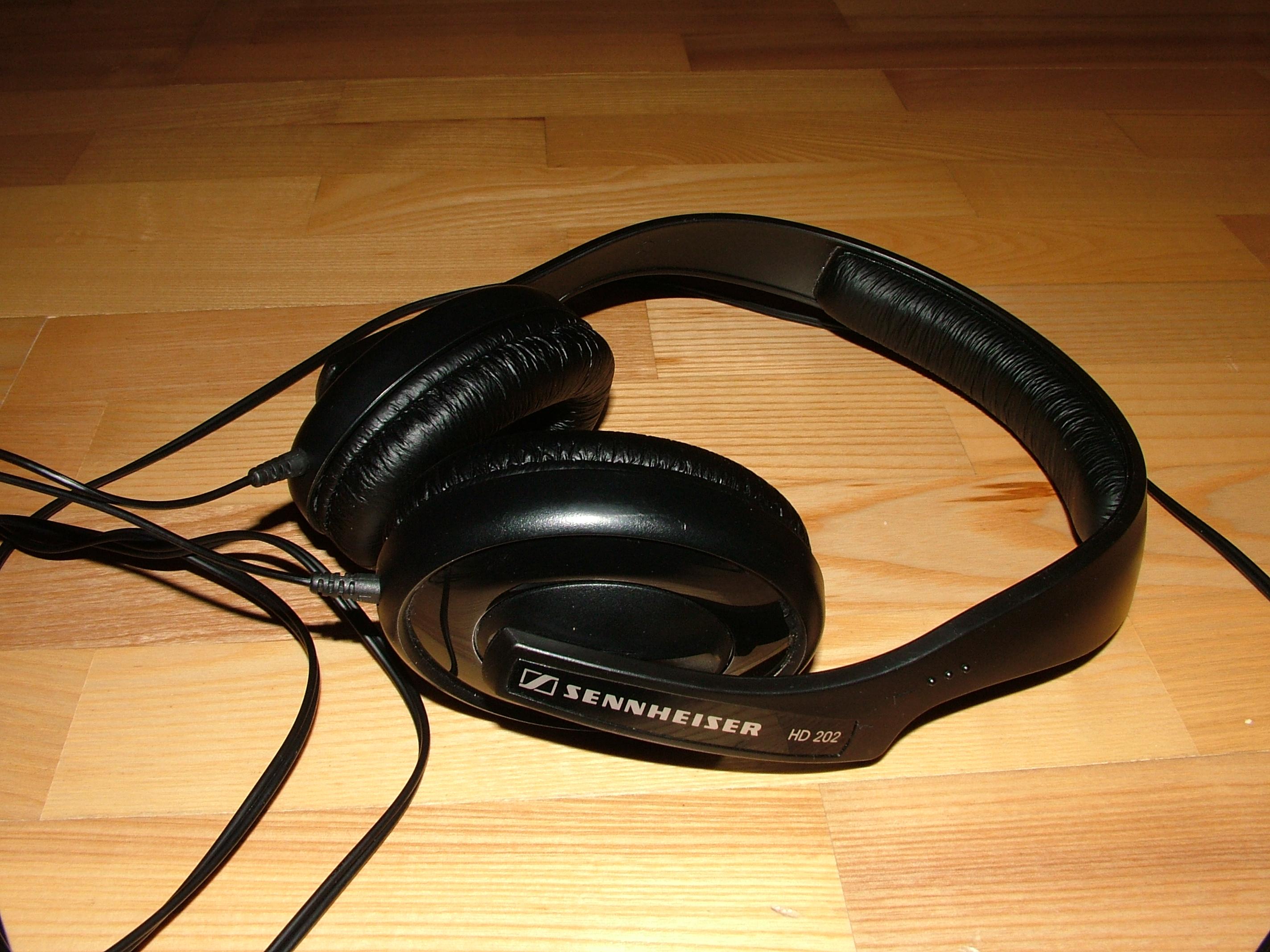ELKELT!!! - Sennheiser HD 202 fejhallgató eladó! FiiO E3 E5 9750286b90