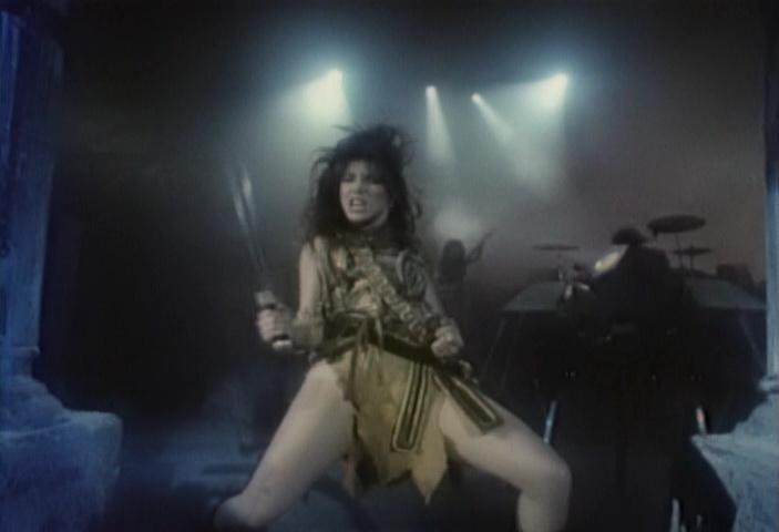 http://noob.hu/2011/06/17/Metal_Queen.vob_000145677.jpg